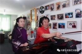 李莉走访慰问世界级马头琴演奏大师齐•宝力高